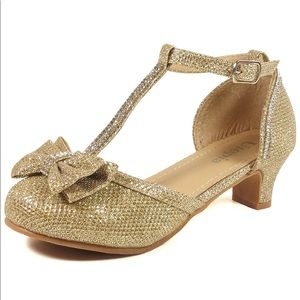 Other - 👧🏼 Girls Gold Glitter Heeled Shoes Size 4
